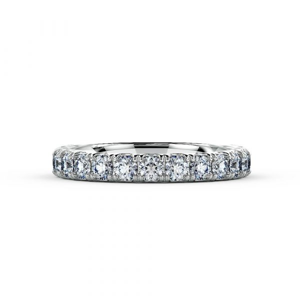 A beautiful micro-claw setting that is ideal as an eternity or wedding ring